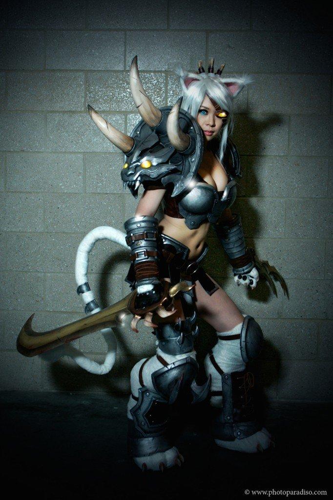 rengar_cosplay