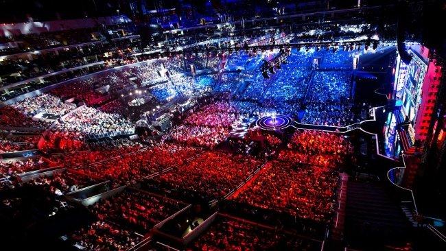 Worlds crowd