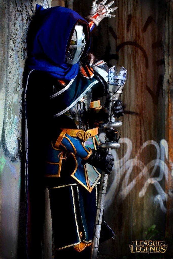 female_viktor_cosplay_2_by_suspicioustumbleweed-d7u1go3