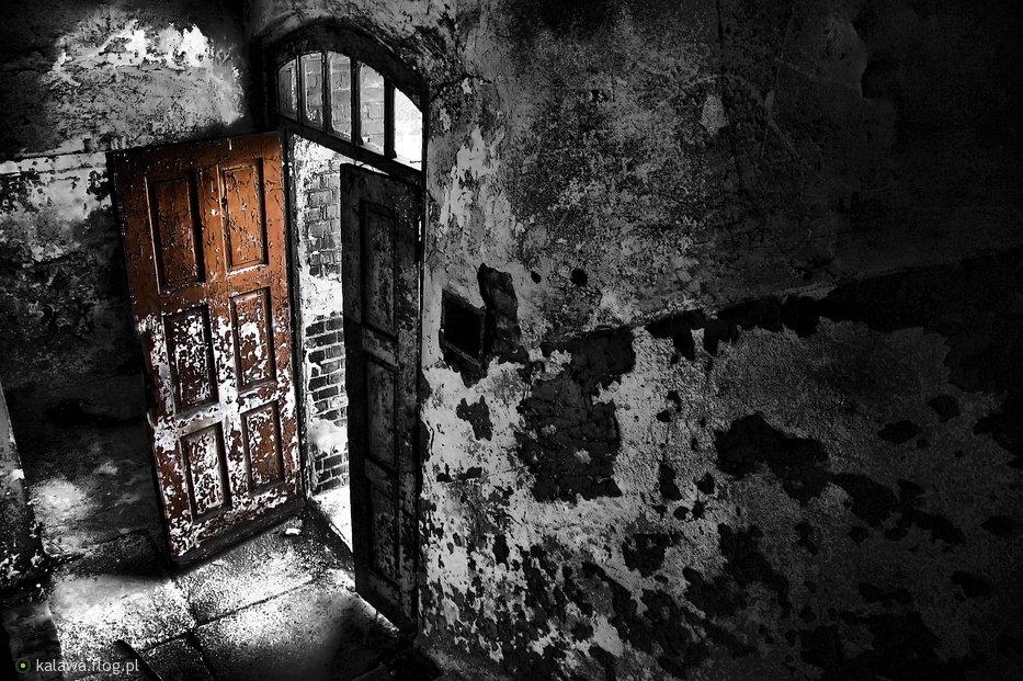 3870518_opuszczony-szpital-psychiatryczny-w-owinskach