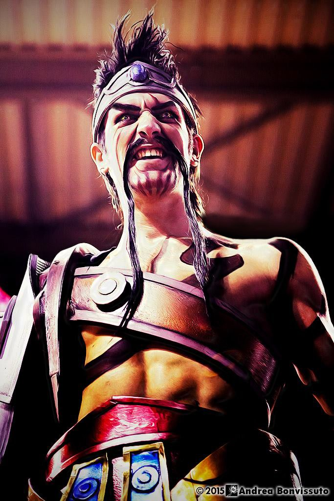 draven_cosplay___league_of_legends_by_leon_chiro_by_leonchirocosplayart-d8m4h2n