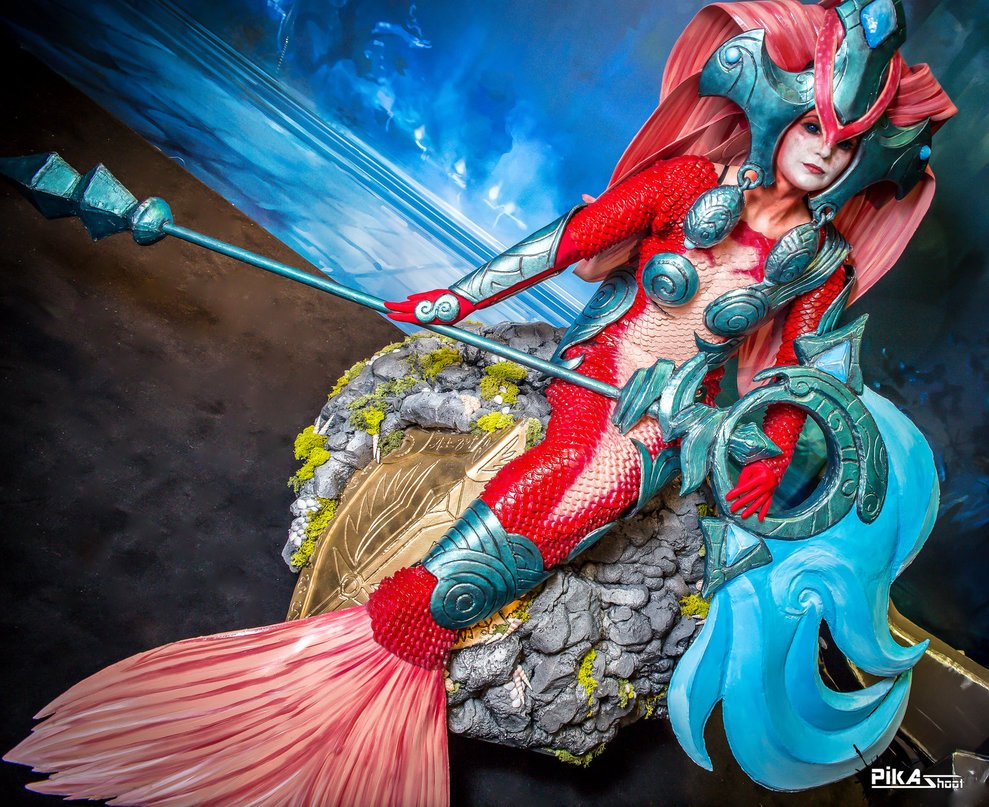 koi_nami_cosplay___league_of_legends___japan_expo_by_nereidecosplay-d7rhnnv